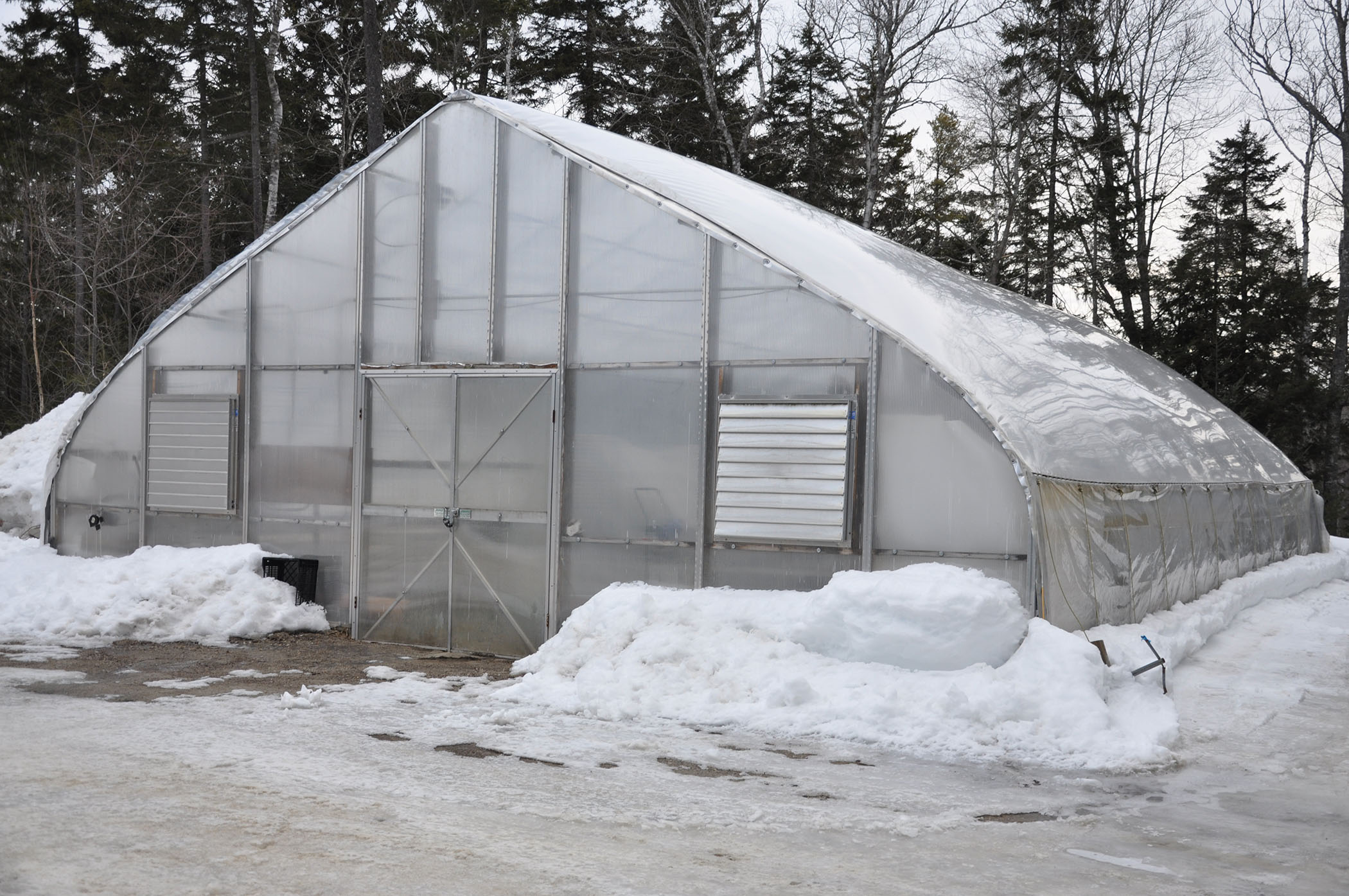 Tremendous Heating Our Greenhouse At Cmbg During The Winter Coastal Home Interior And Landscaping Mentranervesignezvosmurscom